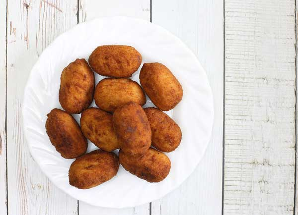 Cath tries chicken croquettes