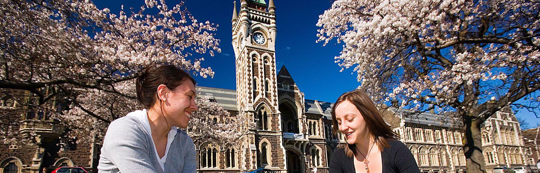 University of Otago Clocktower & Students on the Clocktower lawn