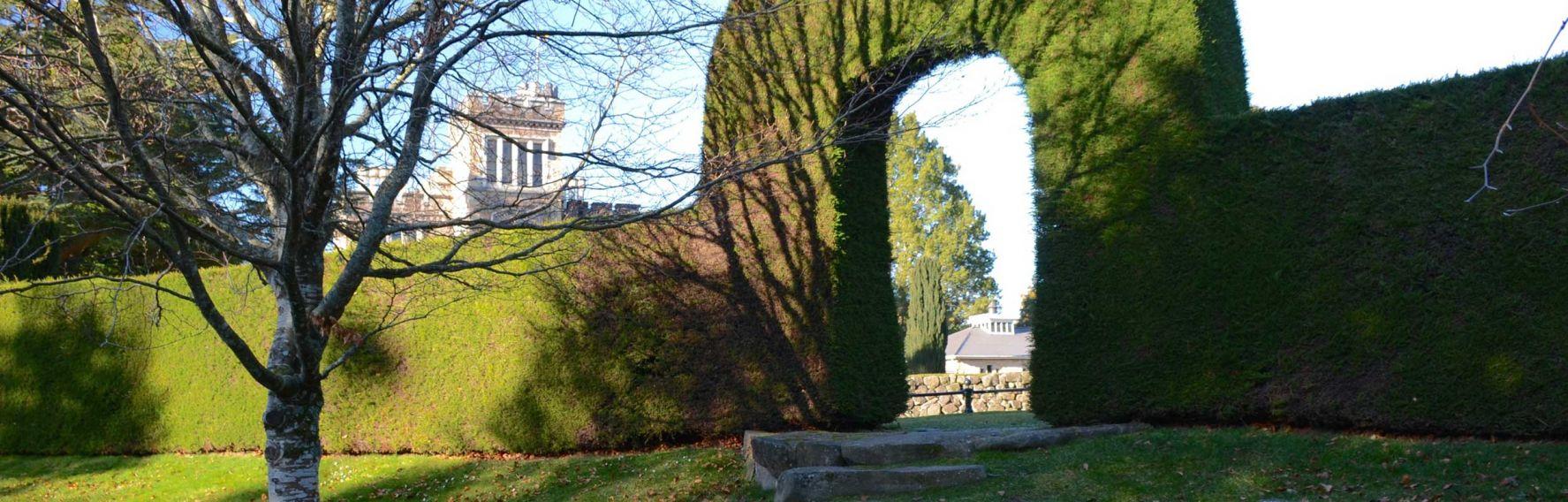 Screen Larnach Castle